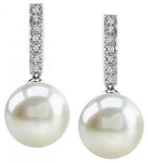 pearl-earrings-for-wedding - elegant and ladylike - pearl photos.jpg