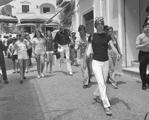 Jackie O showing of classic Capri style while on holiday.jpg
