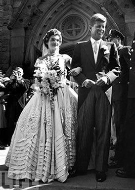 Style icon jacqueline bouvier kennedy onassis for Jackie o wedding dress designer