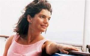 Jackie Bouvier Kennedy Onassis photos Jacqueline-Kennedy relaxed.jpg