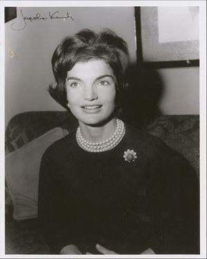 Pictures of Jackie Bouvier Kennedy Onassis - jacqueline kennedy - triple strand pearls.jpg