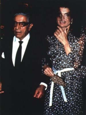 Pictures of Jackie Kennedy dress - Jackie-Onassis and Aristotle.jpg