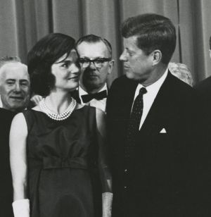 Pictures of Jackie Kennedy fashion icon - president john kennedy and wife jacqueline.jpg