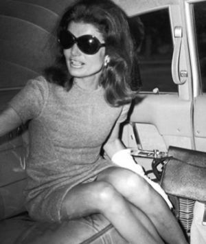 Style icons - Jacqueline Bouvier Kennedy Onassis - jackie-kennedy.jpg
