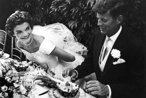 jackie bouvier kennedy onassis and jfk on their wedding day.jpg