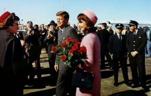 jackie bouvier kennedy onassis on the fatal day of jfks assassination.JPG
