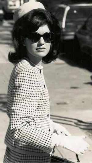 jackie-o-Pictures of Jackie Kennedy dress.jpg