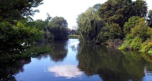 From the footbridge on the thames by Sonning.jpg