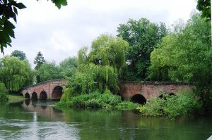 Sonning Bridge in Berkshire.JPG