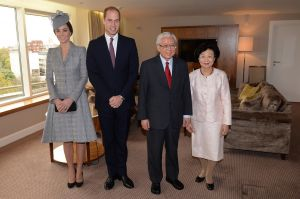 MATERNITY STYLE Kate and William with the President of Singapore - October 2014.jpg