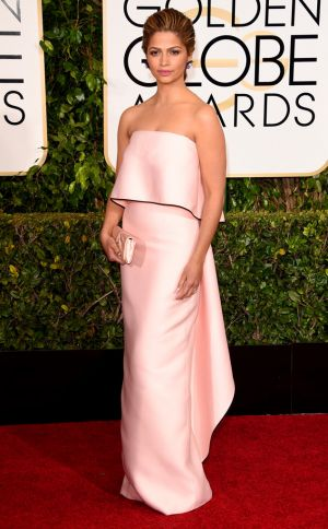 Golden Globes 2015 fashion - Camila Alves in Monique Lhuillier.jpg