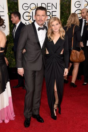 Golden Globes 2015 fashion - Ethan Hawke and Ryan Hawke.jpg