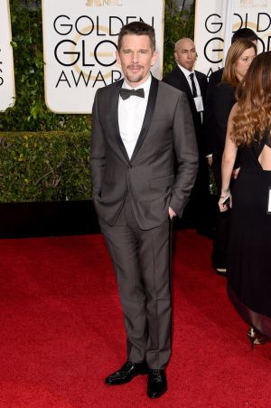 Golden Globes 2015 fashion - Ethan Hawke.jpg