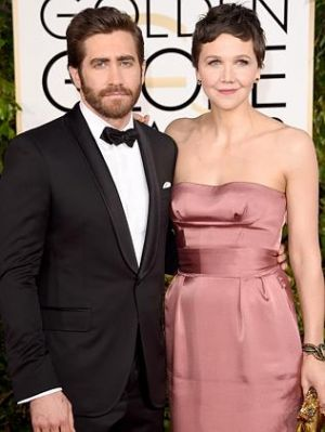 Golden Globes 2015 fashion - Jake Gyllenhaal and Maggie Gyllenhaal.jpg