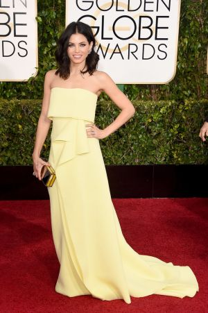 Golden Globes 2015 fashion - Jenna Dewan-Tatum in Carolina Herrera.jpg