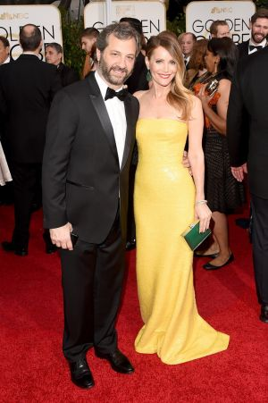 Golden Globes 2015 fashion - Judd Apatow and Leslie Mann.jpg
