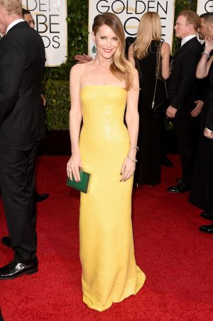Golden Globes 2015 fashion - Leslie Mann.jpg