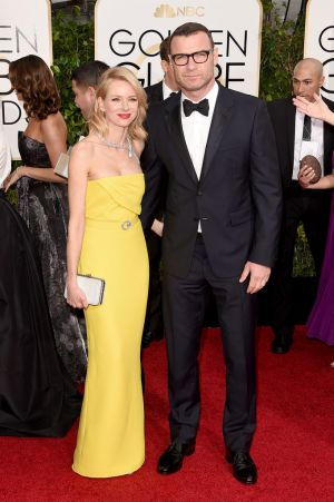 Golden Globes 2015 fashion - Liev Schreiber and Naomi Watts in Gucci and Bvlgari.jpg