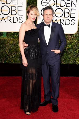 Golden Globes 2015 fashion - Sunrise Coigney and Mark Ruffalo.jpg