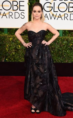 Golden Globes 2015 fashion - Taryn Manning in Oscar de la Renta.jpg