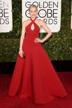 Golden Globes 2015 fashion - Taylor Schilling in Salvatore Ferragamo.jpg