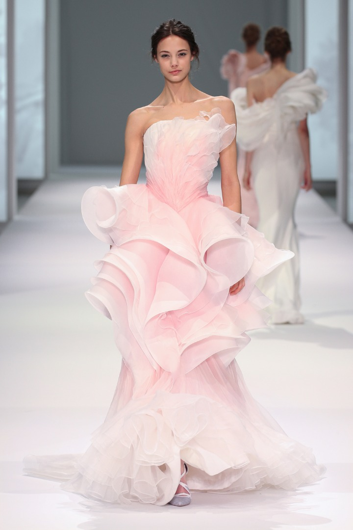 RUNWAY: Ralph and Russo Spring-Summer 2015 Couture Collection
