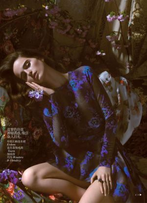 loulou-robert-by-camilla-akrans-for-vogue-china-july-2013-5.jpg