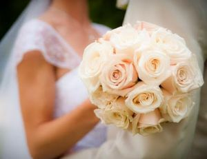Floral fancy - mylusciouslife.com - romantic wedding bouquet1.jpg