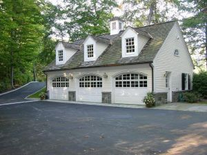 Driveways and entrances - www.myLusciousLife.com - Greenwich house23.jpg