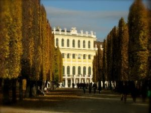 Driveways and entrances - www.myLusciousLife.com - Schonbrunn Palace Gardens in Autumn2.jpg