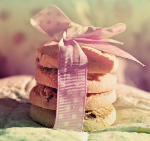 cookies tied with a bow - Live lusciously with LUSCIOUS.jpg