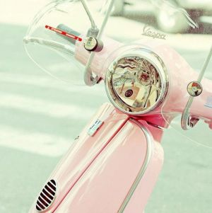 pretty pink vespa - Live lusciously with LUSCIOUS.jpg