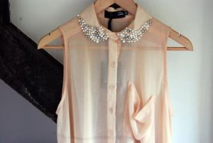 pretty top with luscious pearl collar.jpg