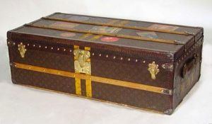 Vintage luggage - mylusciouslife.com - Louis Vuitton Footlocker 1930.jpg