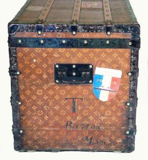 Vintage luggage - mylusciouslife.com - Louis Vuitton Steamer Trunk 1889-1900.jpg