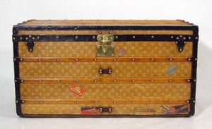 Vintage luggage - mylusciouslife.com - Louis Vuitton Steamer Trunk 1897-1909.jpg