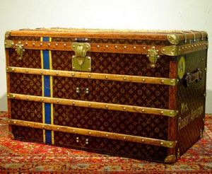 Vintage luggage - mylusciouslife.com - Louis Vuitton Steamer Trunk 1918.jpg