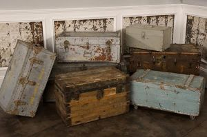 Vintage luggage - mylusciouslife.com - Vintage trunks1.jpg