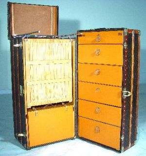 Vintage luggage - mylusciouslife.com - louis vuitton trunk2.jpg