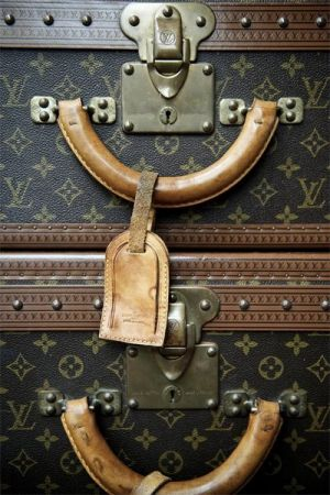 luscious travel: ode to vintage luggage