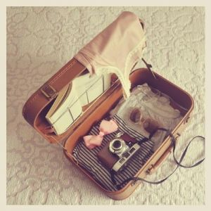 Vintage luggage - mylusciouslife.com - luscious luggage4.jpg