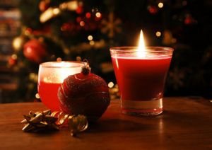 Merry Christmas from Luscious - mylusciouslife.com - christmas tree baubles and candle1.jpg