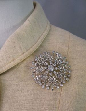 Vintage 60s Huge Rhinestone Brooch Pin from www.coutureallure.com.jpg