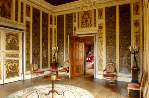 Downton Abbey and Highclere Castle interiors4.png