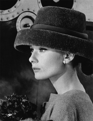 Audrey Hepburn in Funny Face 1957 - top ten fashion films.png