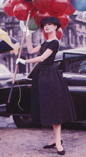 funny-face-audrey-hepburn-red balloons.jpg