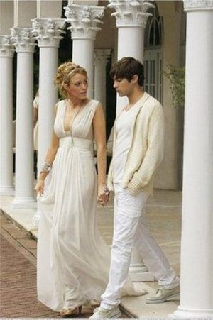 TV show fashion history - Gossip Girl - Serena and Nate grecian.jpg