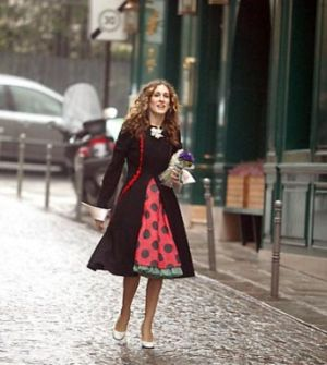 TV show fashion history - Sex and the City - Carrie in Paris.jpg