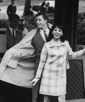 TV show fashion history - That Girl - Marlo Thomas TV show.jpg