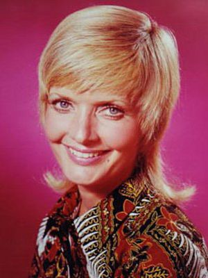 TV show fashion history - The Brady Bunch - Carol Brady.jpg